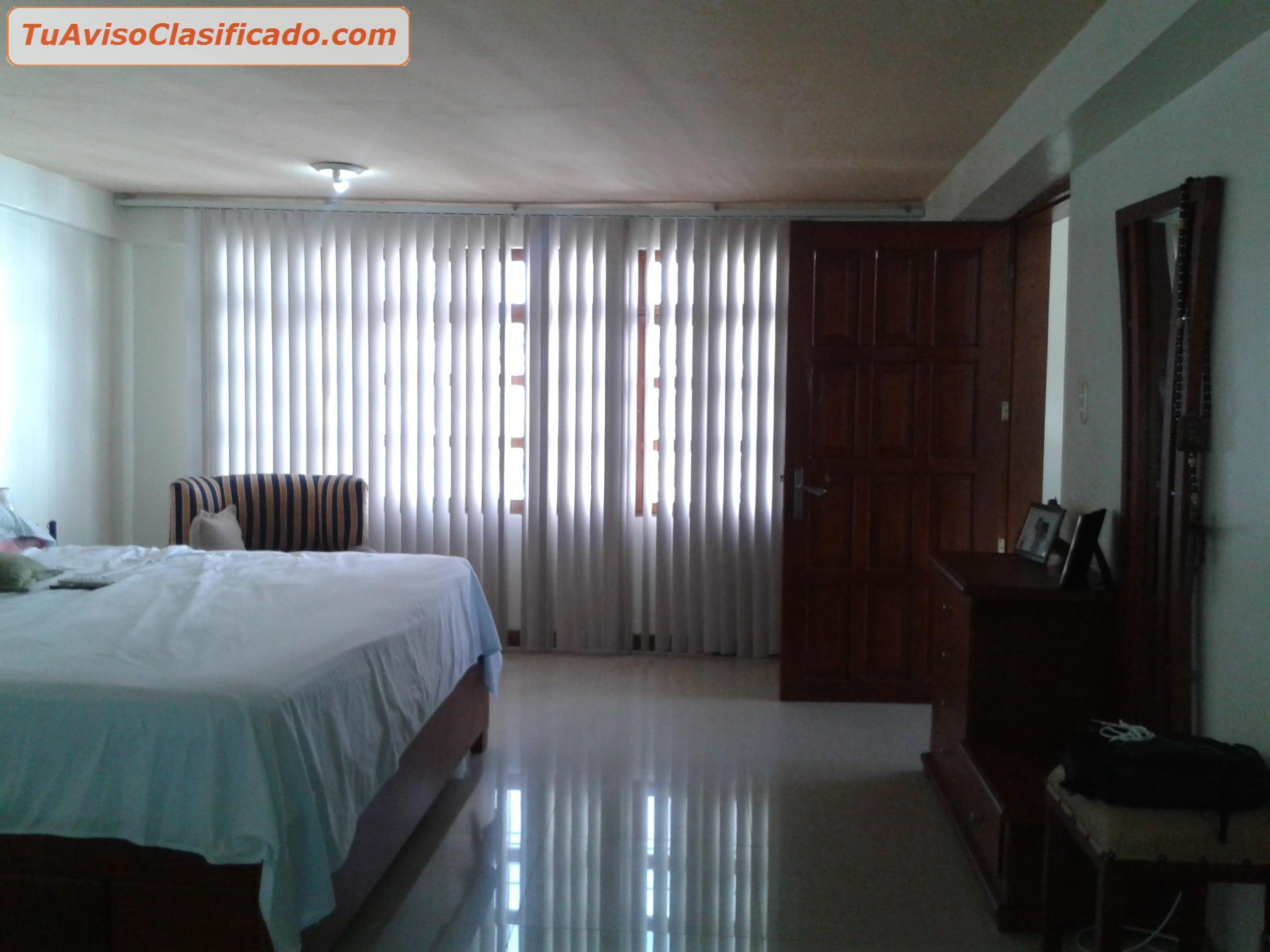 Hermosa casa 2 plantas pisos en porcelanato todas for Pisos 2 habitaciones pamplona