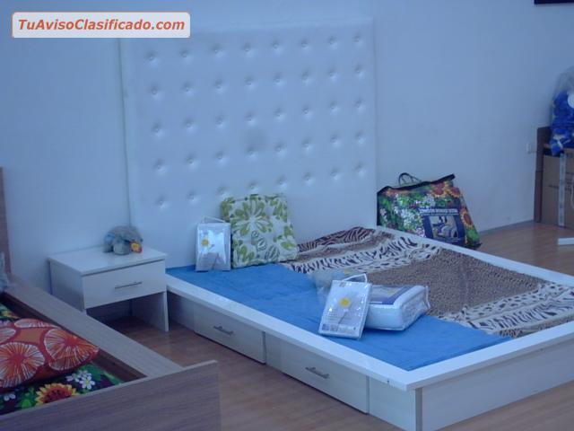 Dormitorio matrimonial estilo minimalista italino - Mobiliario y estilo ...