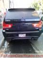 Camioneta Color Negro Marca CEO, 5 puertas